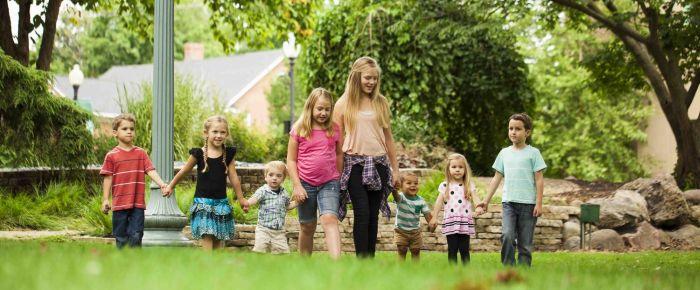 Deset korakov, kako lahko otroku pomagate premagati strah