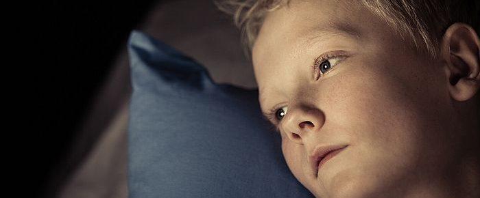 Razdrobljeni jaz: 8 zmot o travmi v otroštvu